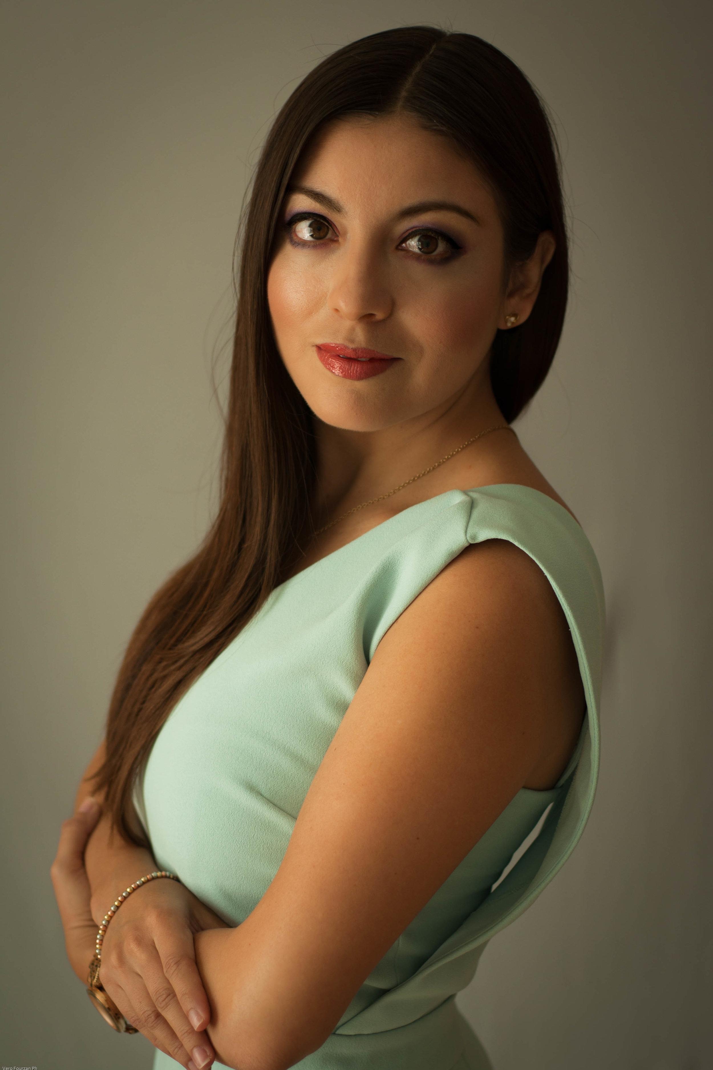 Gina Briseño - Spanish spoken Real Estate Advisorgina@selvacorealty.com