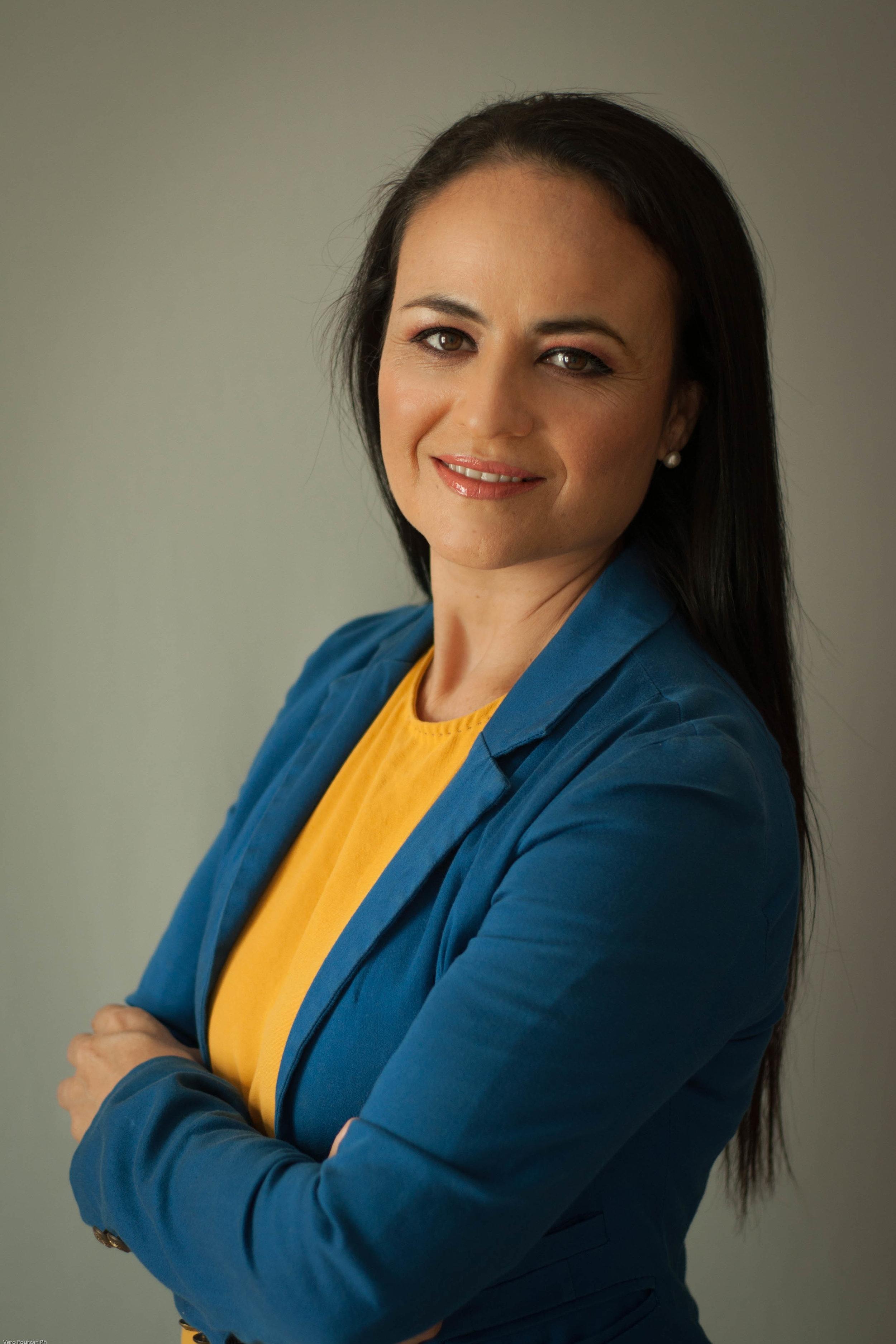 Alejandra Arias - Spanish spoken Real Estate Advisor / Españolalejandra@selvacorealty.com