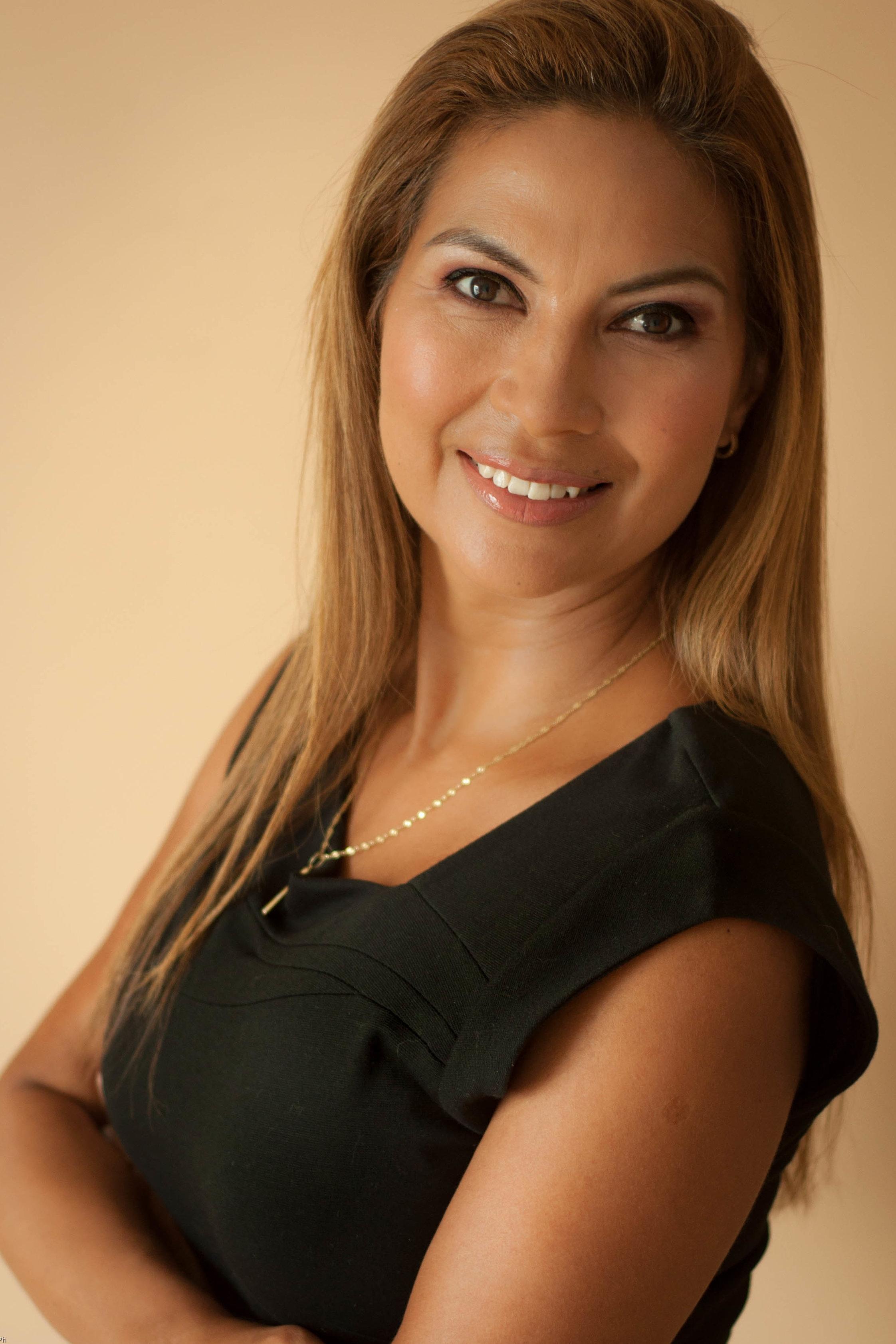 Jackie Camacho - Broker InmobiliarioIdiomas: Español / Portugués / Inglesjackie@selvacorealty.com