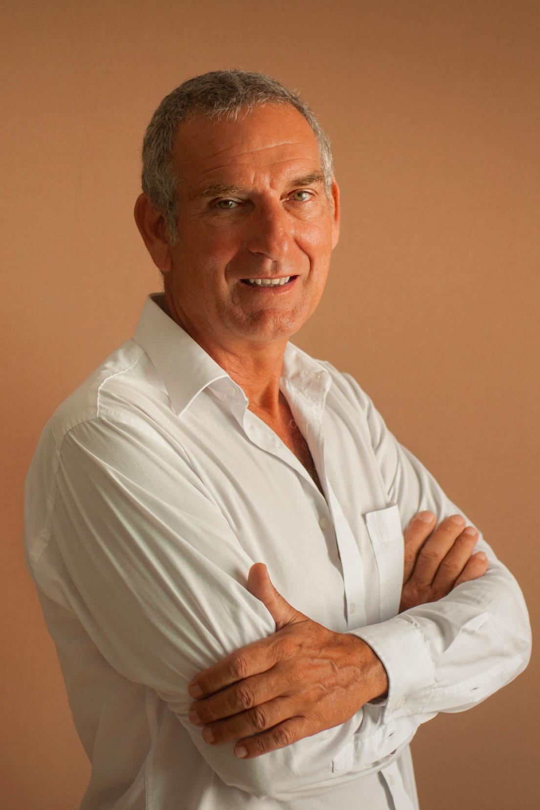 Maurizio Bellazzecca - Asesor InmobiliarioIdiomas: Español / Ingles / Italianomauri@selvacorealty.com