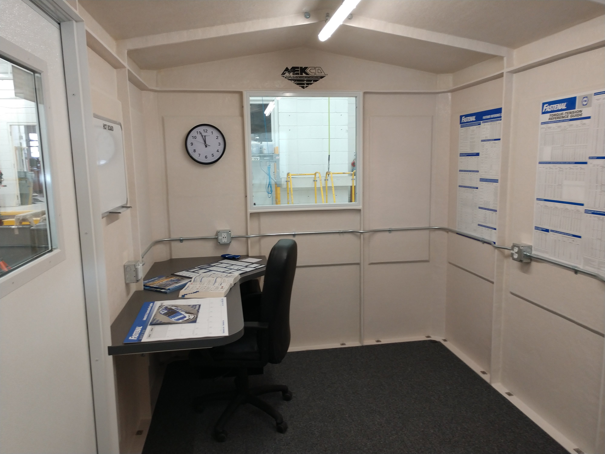Mekco Onsite System - Interior Desk Space