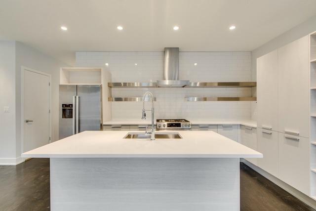 2724 Armitage #3E (kitchen).jpg