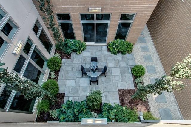 4534 Damen (enclosed courtyard above).jpg