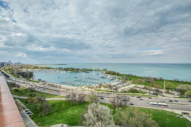 3100 Lakeshore #1705 (view).jpg