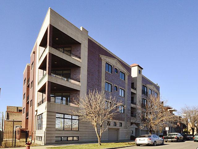 SOLD!622 N Rockwell #404  3 BR/2 BA -$369,000 - Biazar Group