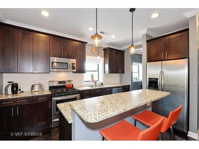 SOLD!6956 N Ridge #2  3 BR/2.1 BA -$307,500 - Buyer agent