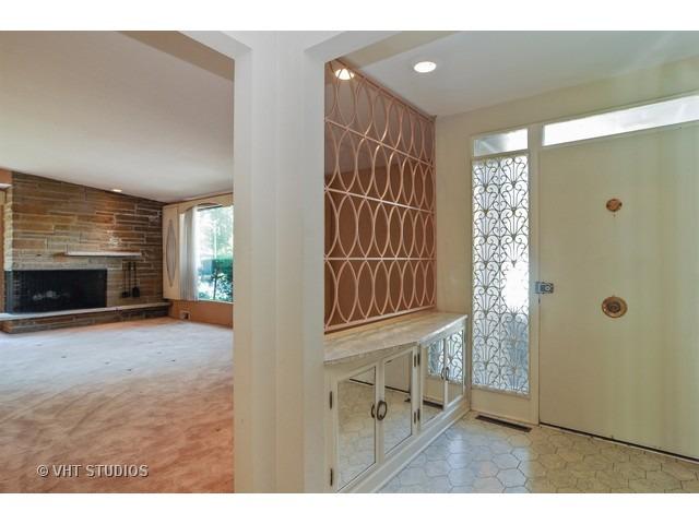 SOLD!6151 N Hamlin  3 BR/1.1 BA -$437,500 - Buyer agent