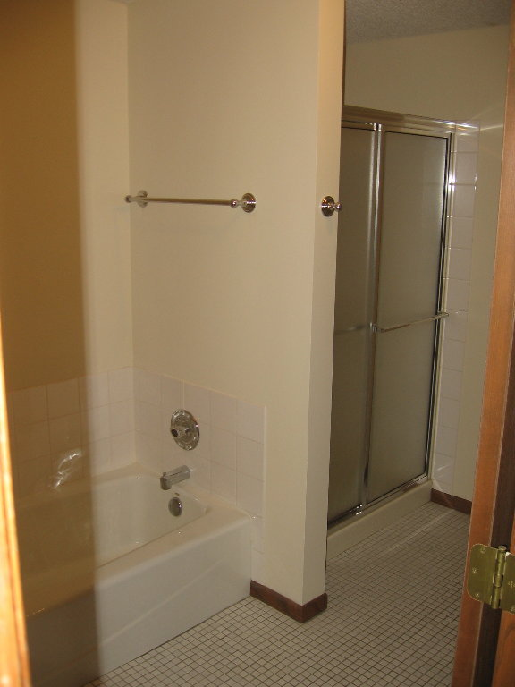 Unit 2 Bathroom.JPG