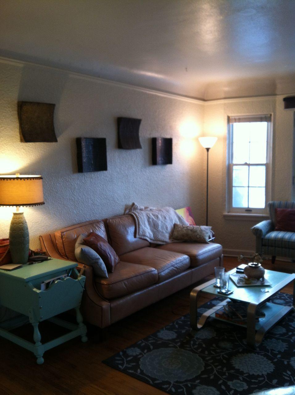 #101 living Room 2.jpg
