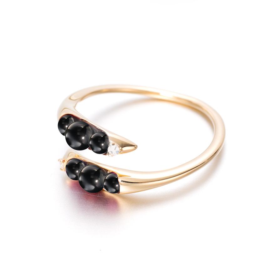 black beads 2.jpg