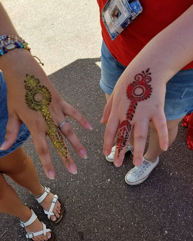 We are at the Flint farmers market until 3pm today!  Come and grab some sunshine and henna!! #flintfarmersmarket #flinthandmade #flintfwd #flint #michigan #michiganart #mihenna