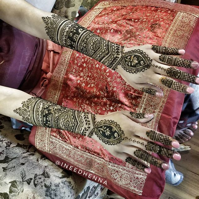 #dulhan #indianbride #wedmegood #bridalhenna #bridalmehendi #weddingsaga #shaadiseason #shaadi #indianwedding #desibride #indian #srilankan #pakistanibride #desigirl #bollywood #michigan #michiganartist #michiganwedding #michiganbride #mihenna #michiganhenna