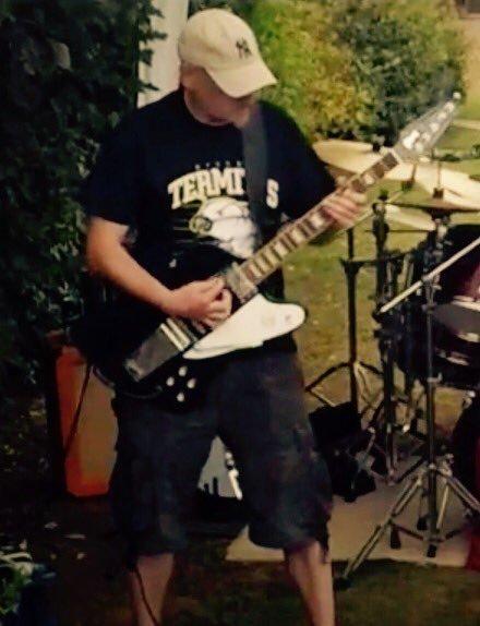 kt guitar.jpg