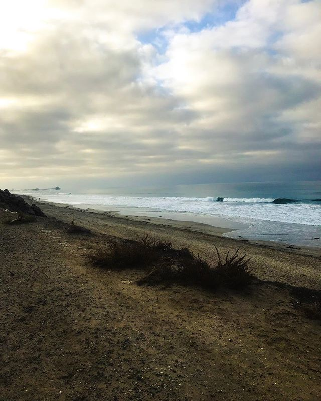 7am catching waves in the fall. Never felt so California. 🌊 #california #HB #sea #bodyboard #livinglife #noworktoday