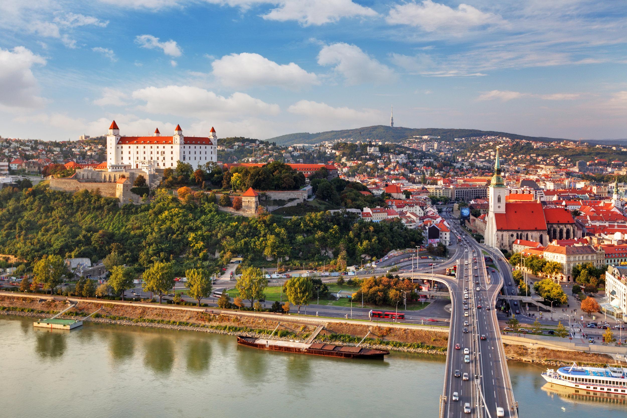 bratislava_43914430_LARGE.jpg