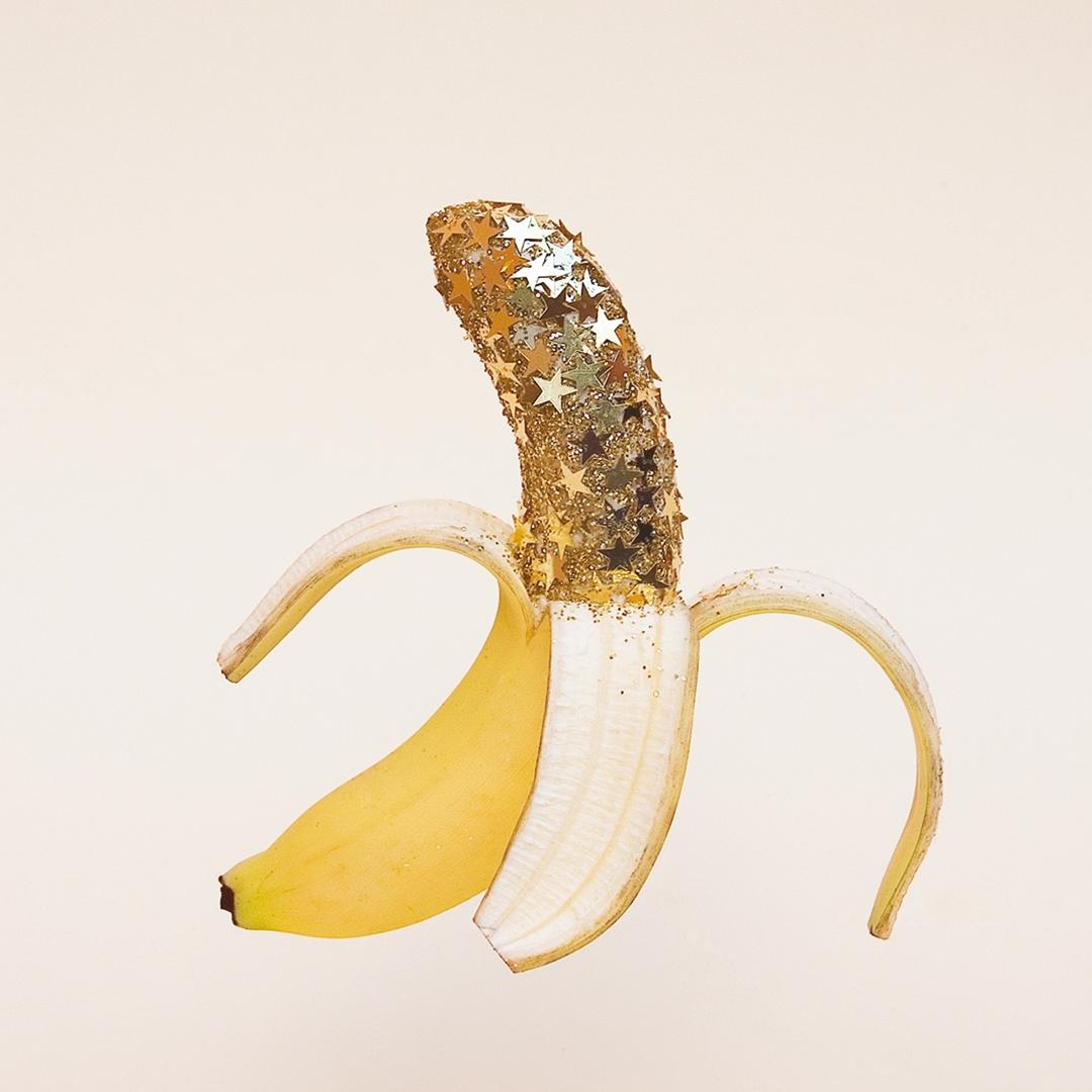 WRK_christmas+banana.jpg