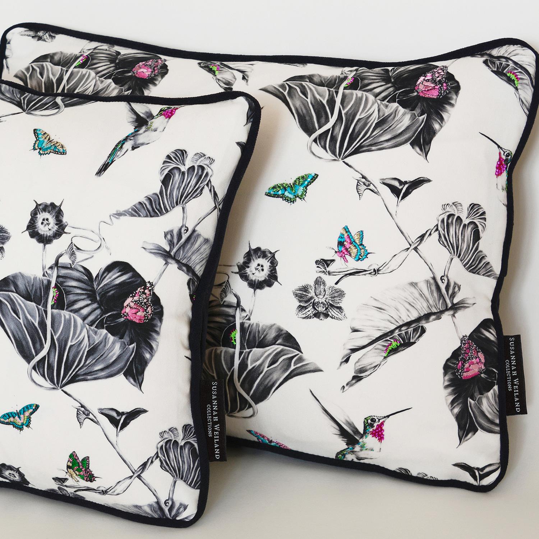 pink-hummingbirds-cushion-3.jpg