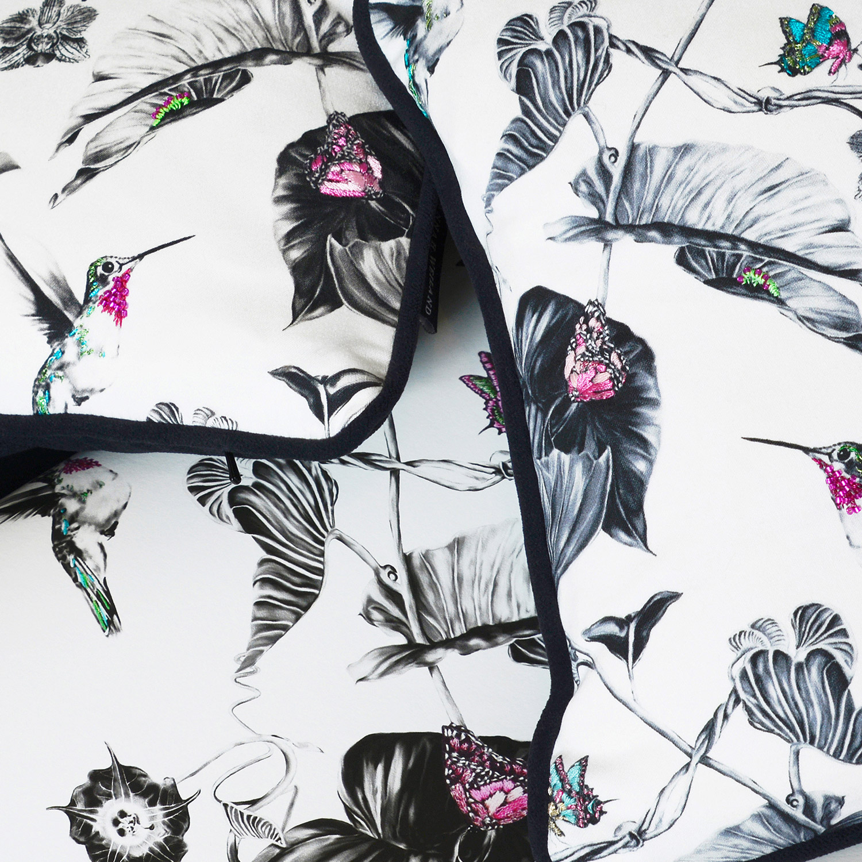 pink-hummingbirds-cushion-4.jpg