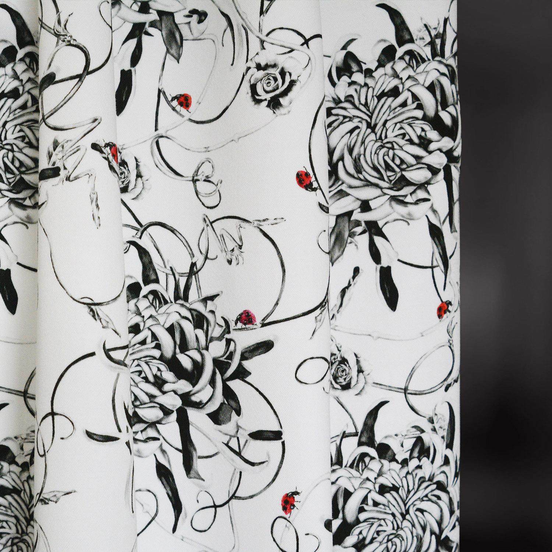 entangled-chrysanthemums-fabric-hanging.jpg