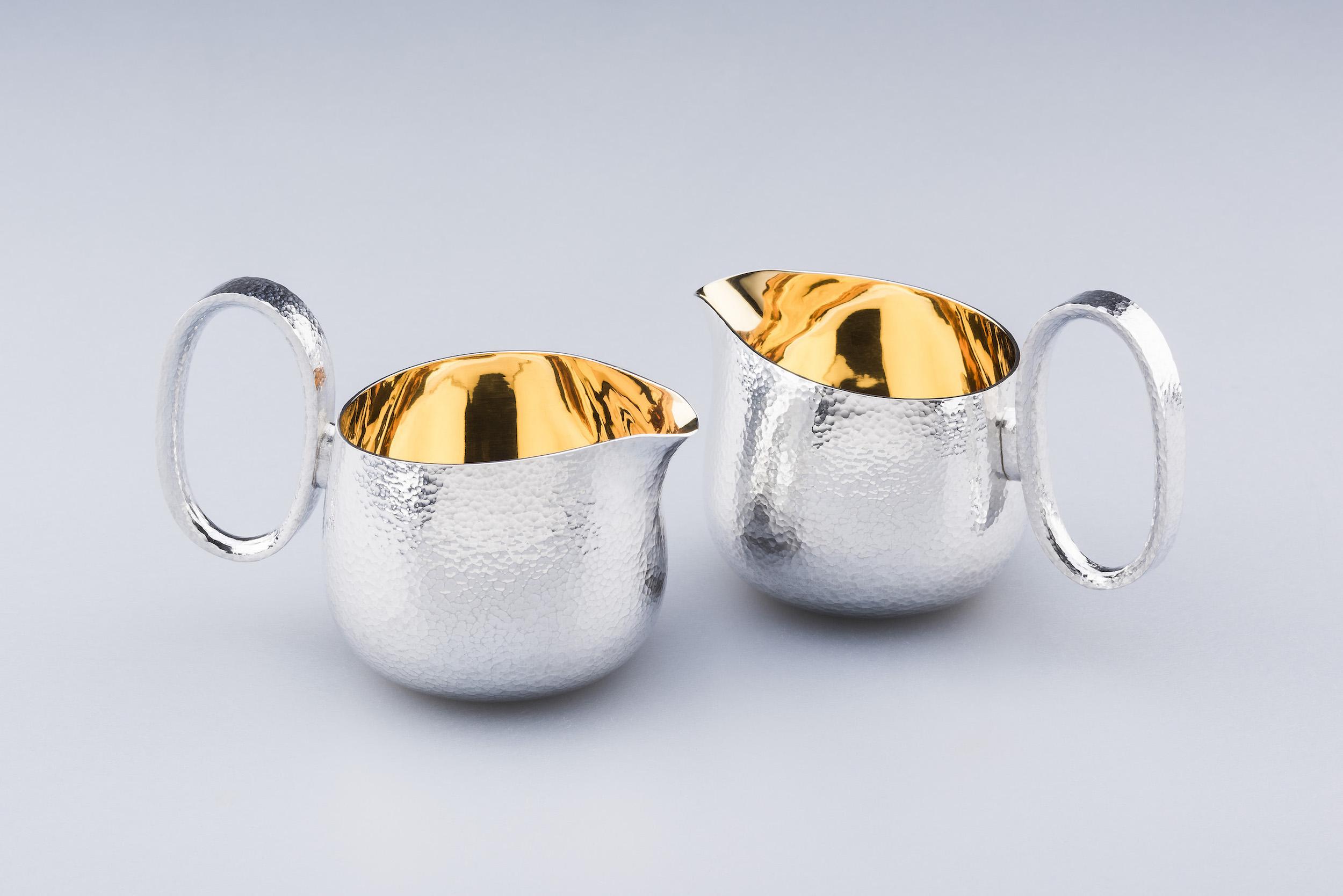 pair_of_cream_jugs.jpg
