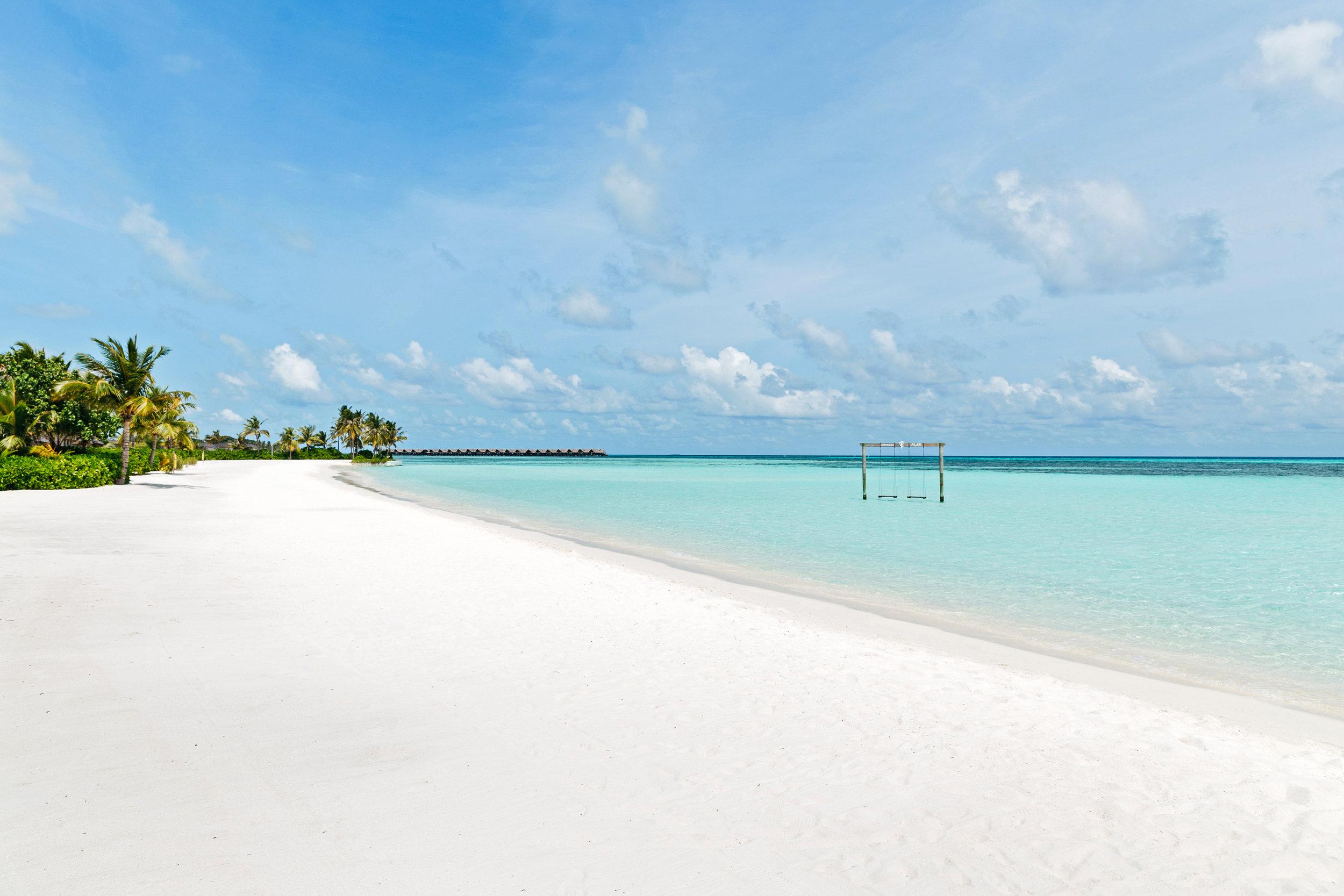 Finolhu Beach_2.jpg