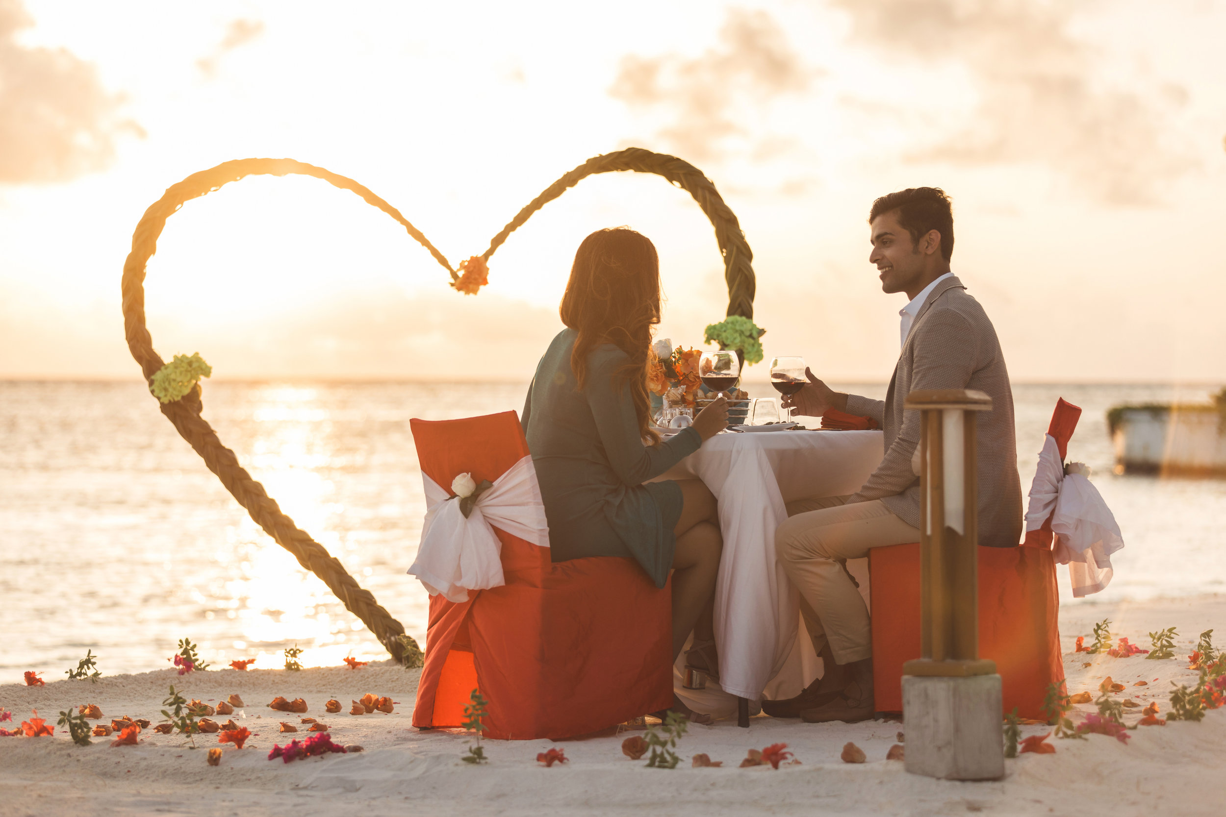 Kanv - Romantic Dinner_1.jpg