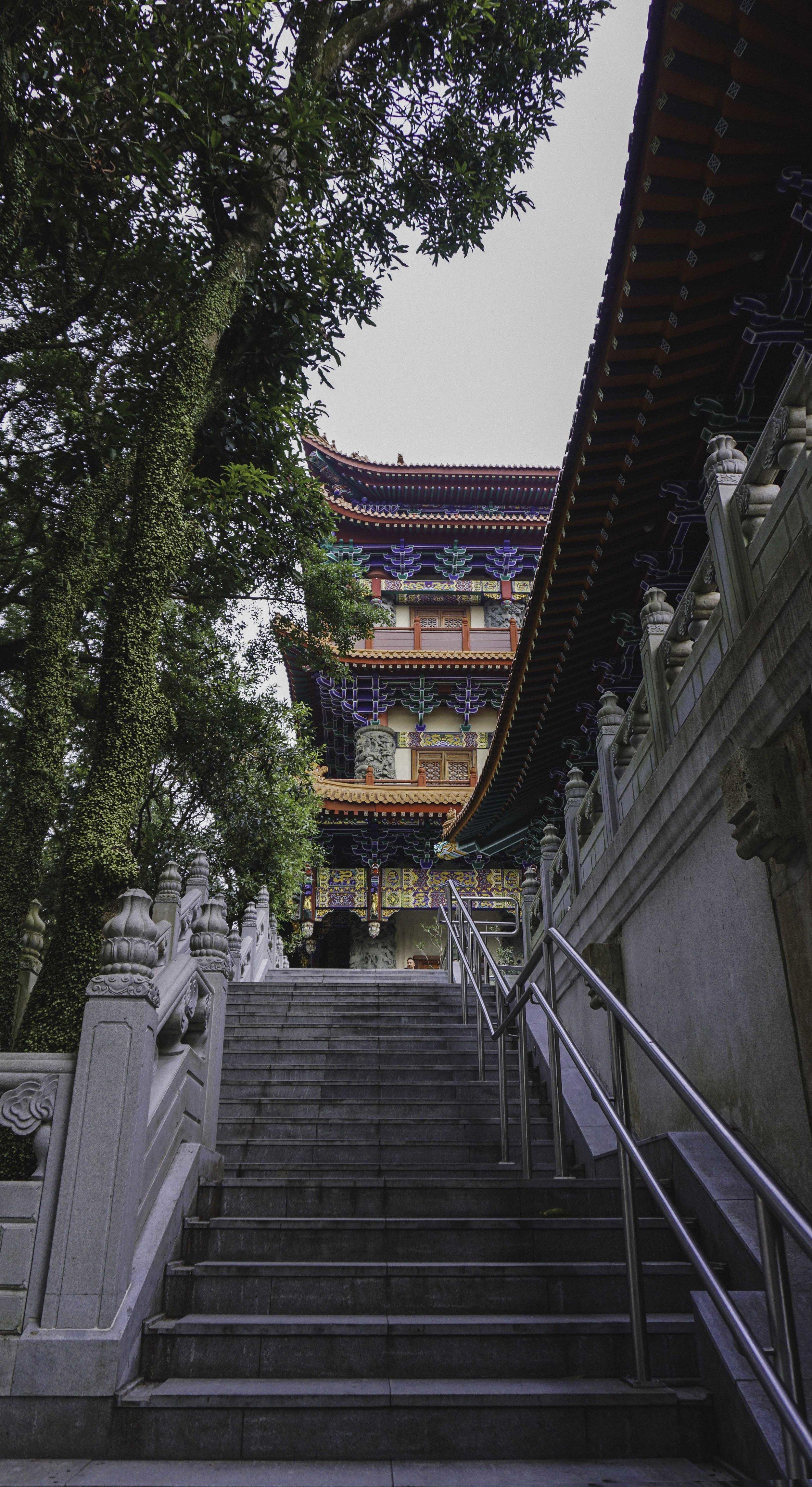 Hong Kong temple.jpg