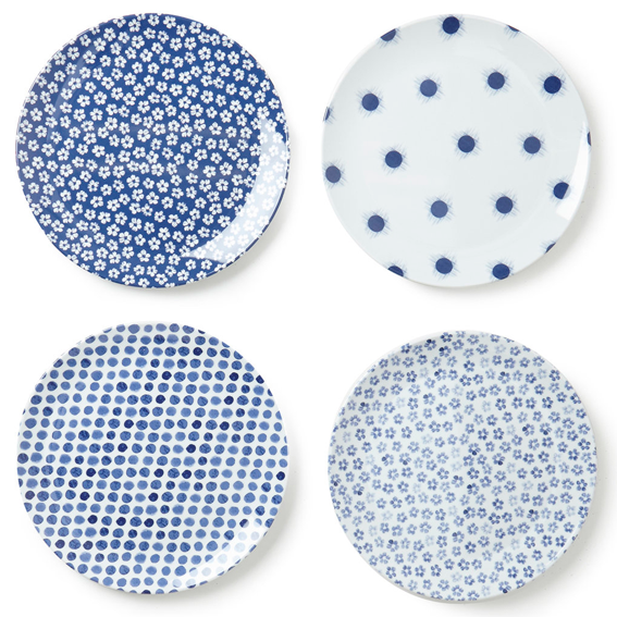 picnic-plates_blue-flroal_bhs_designed-by-sarah-papworth.png