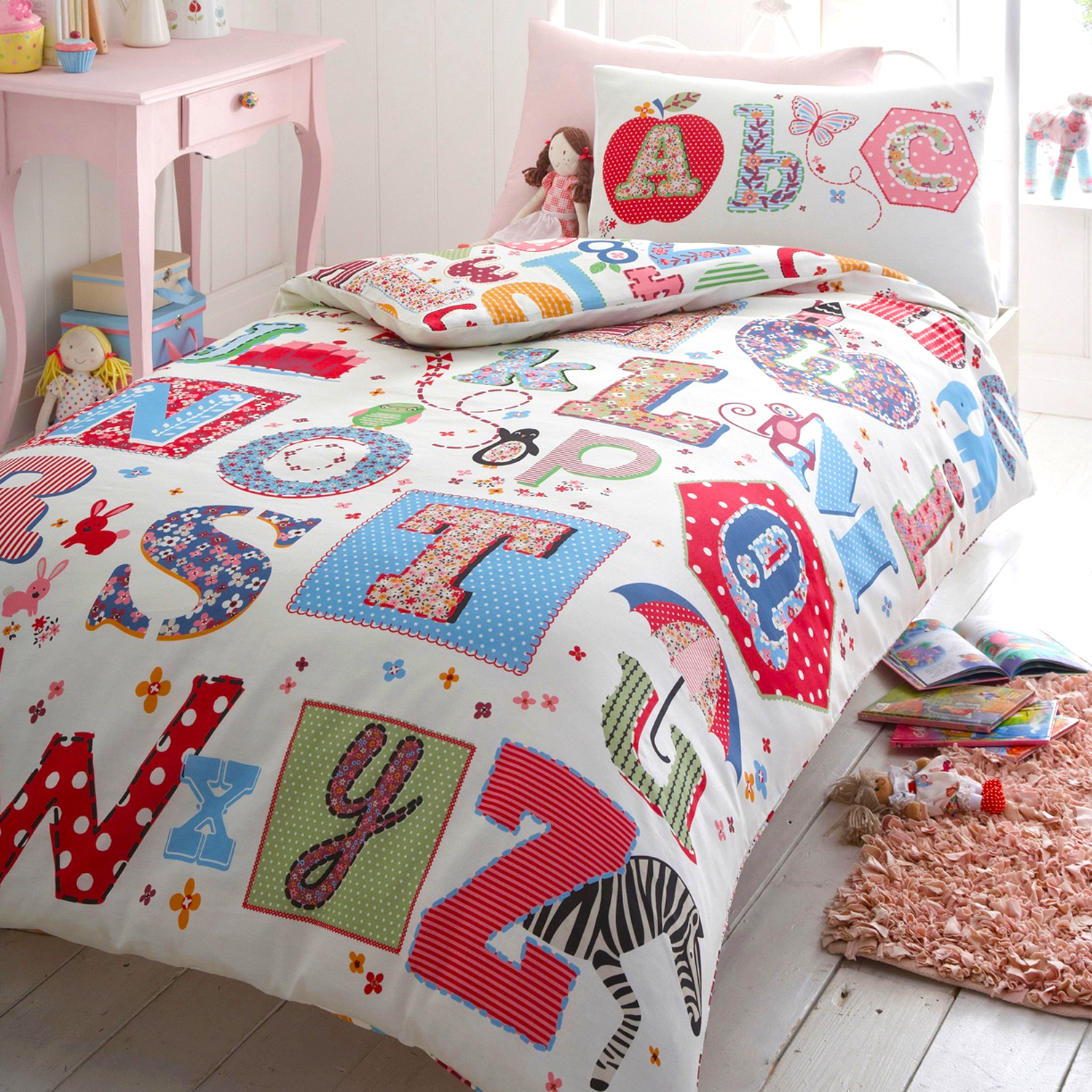 kids-bedding_Blue-Zoo-Debenhams-by-Sarah-Papworth.png