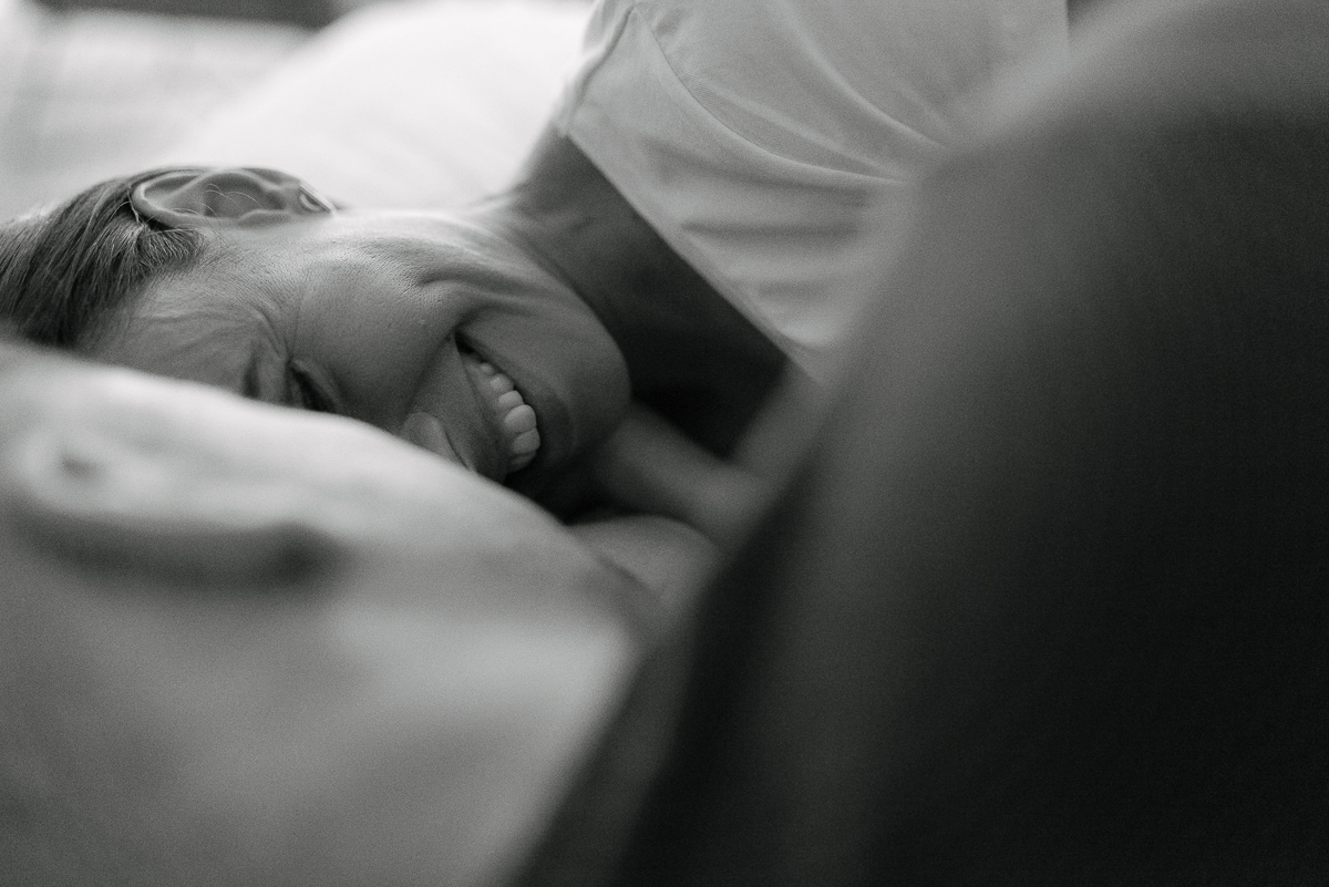 Photography-by-renata-intimate-at-home-engagement-session-in-bed6.JPG