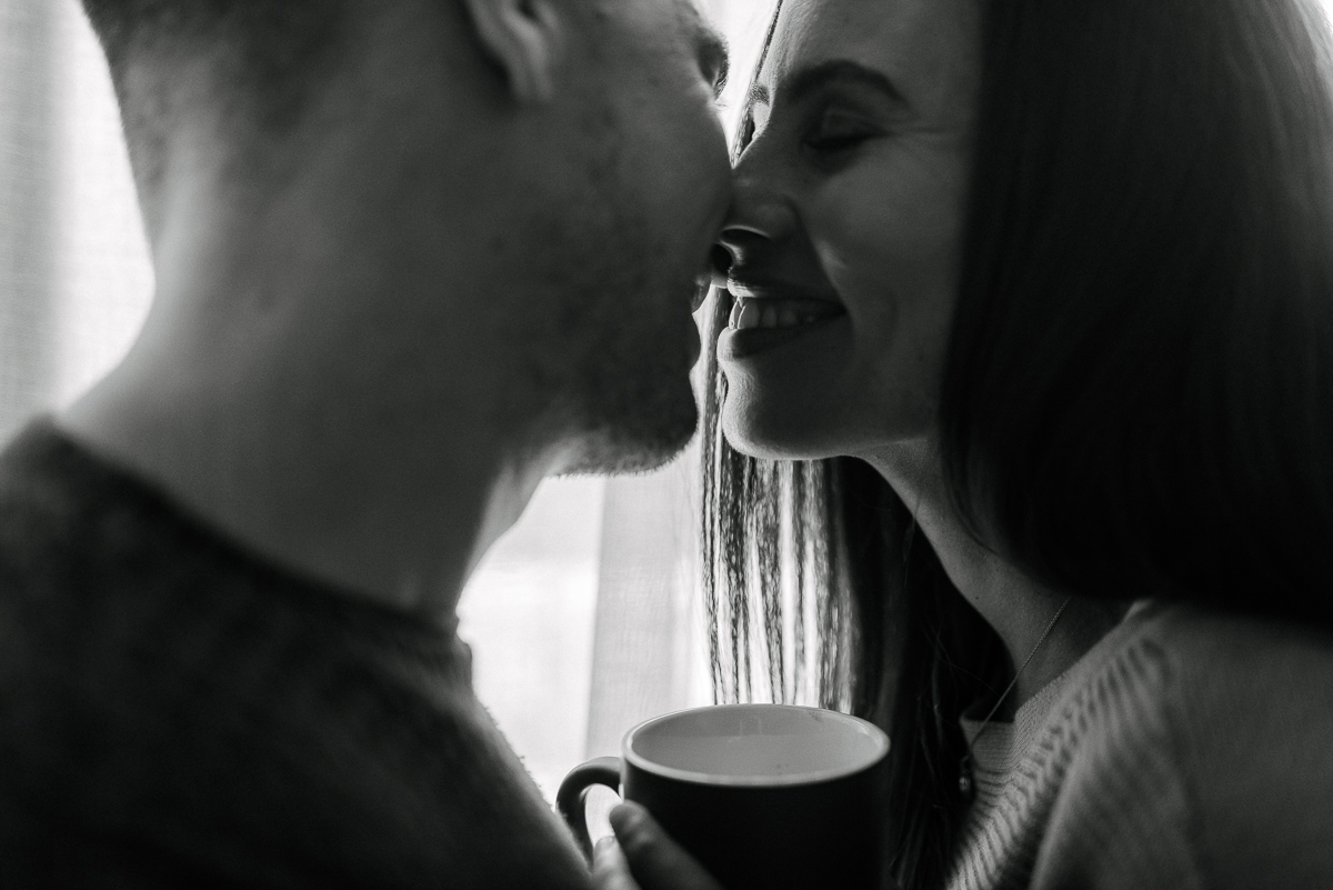 intimate-at-home-engagement-session-in-bed35.JPG