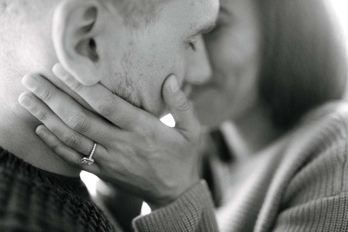 Photography-by-renata-intimate-at-home-engagement-session-in-bed29.JPG