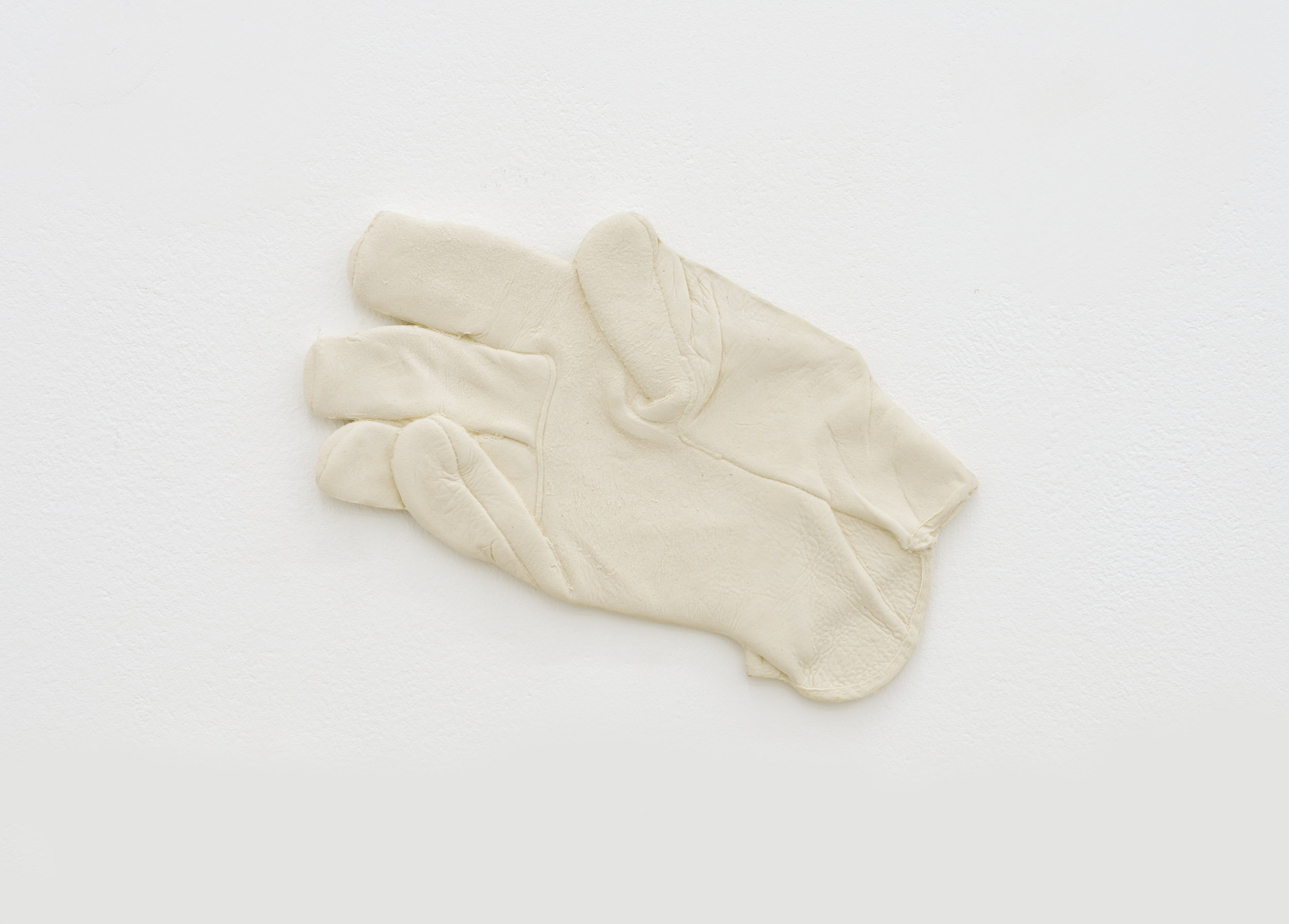 Sketchy Glove #1, 2014 porcelain clay 12 x 23 cm - 4 3/4 x 9 inches