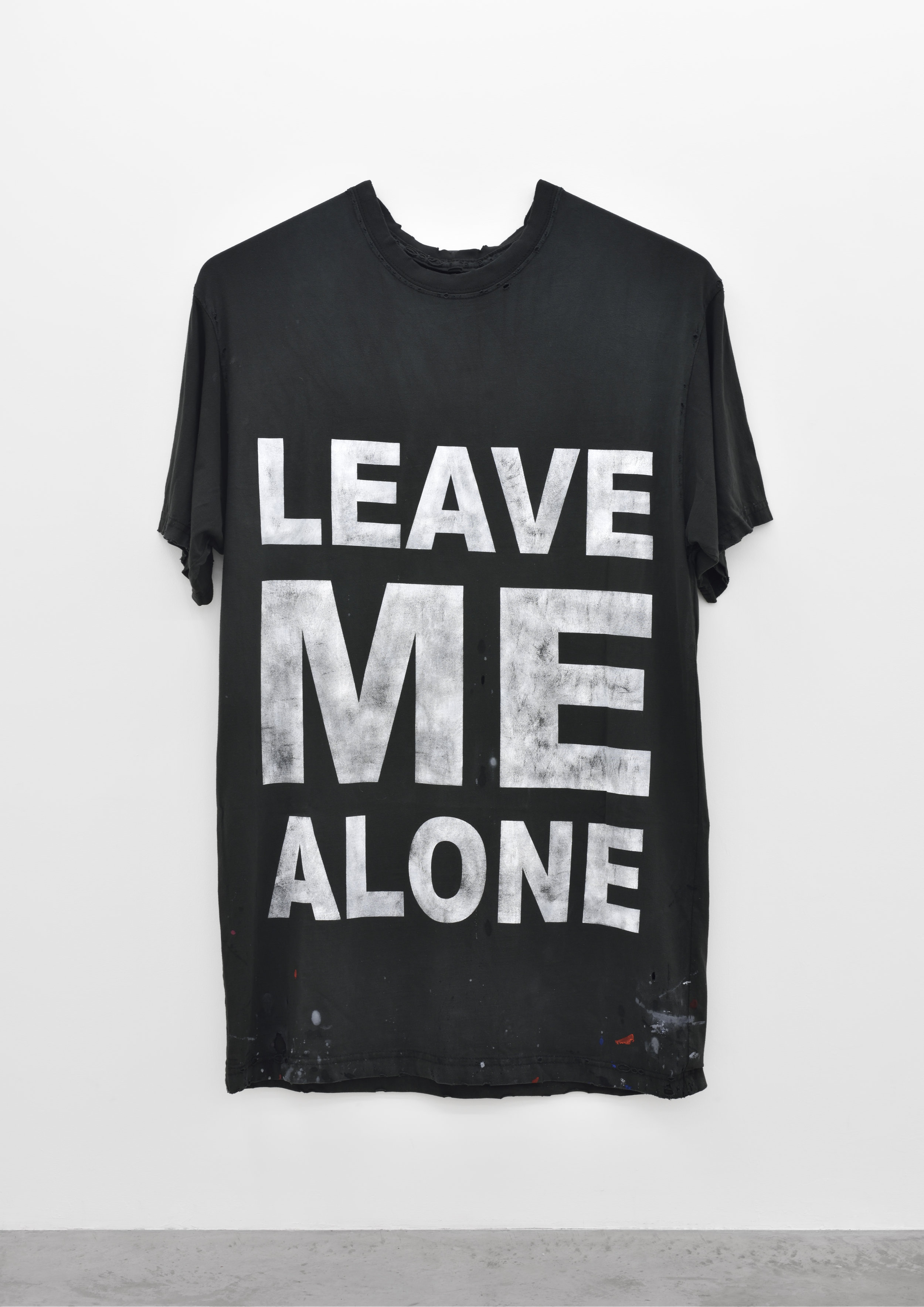 Leave Me Alone (INVERTED WITH TIMESTAMP), 2014 dyed cotton jersey and rib, thread, acrylic paint 190,5 x 129,5 cm - 75 x 51 inches