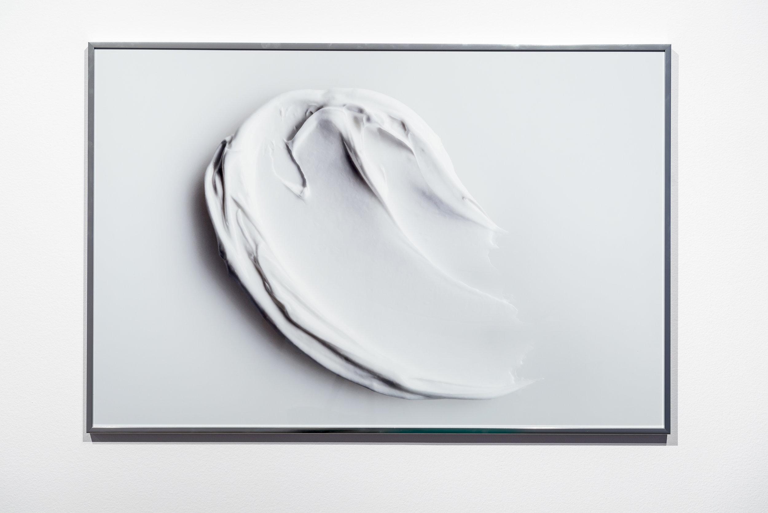 Zoe Williams, You consume me II, 2013 chromogenic print on paper, aluminum frame 68 x 102 x 2,5 cm - 26 3/4 x 40 1/8 x 1 inches (framed)