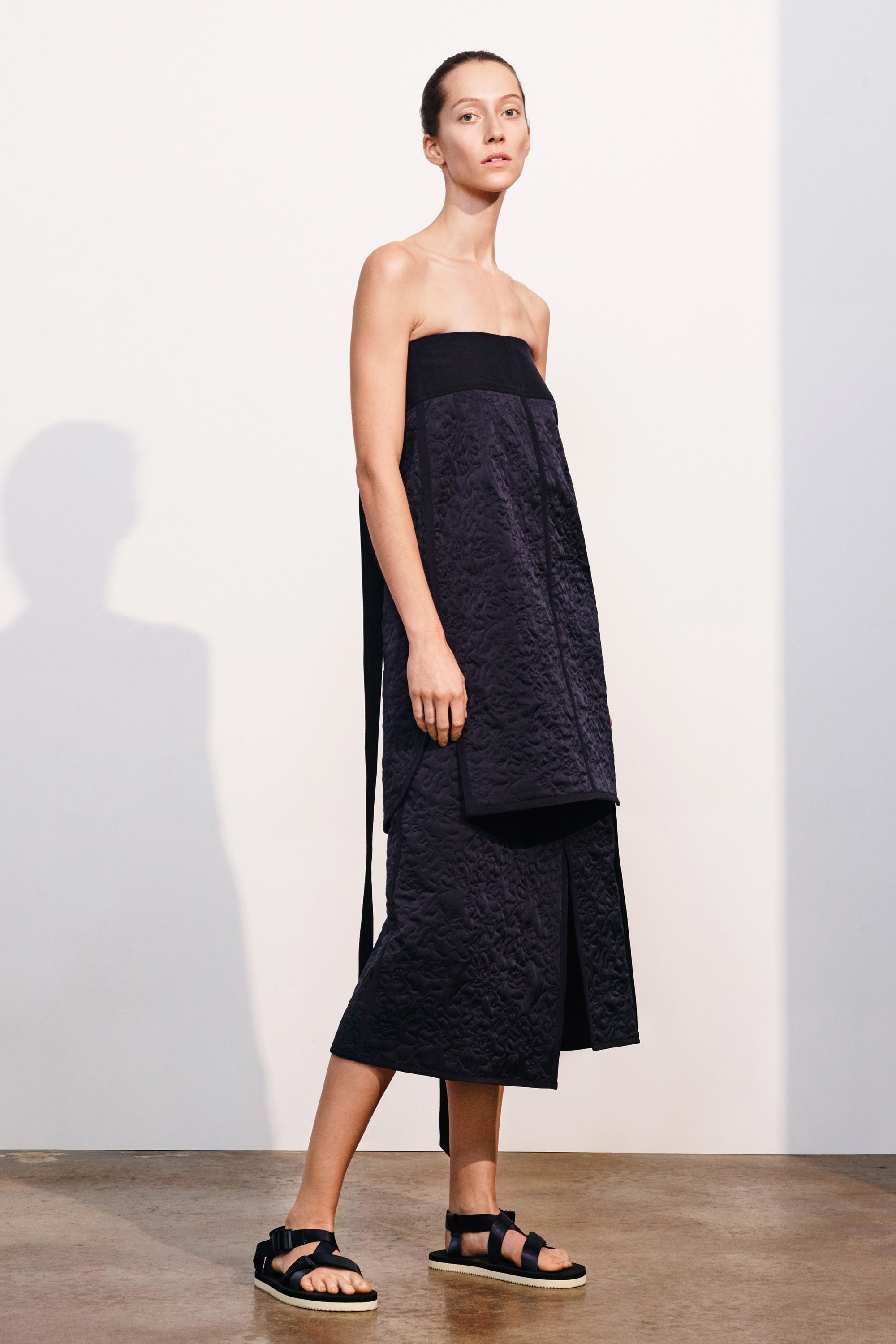 28-elizabeth-and-james-pre-fall-2017.jpg