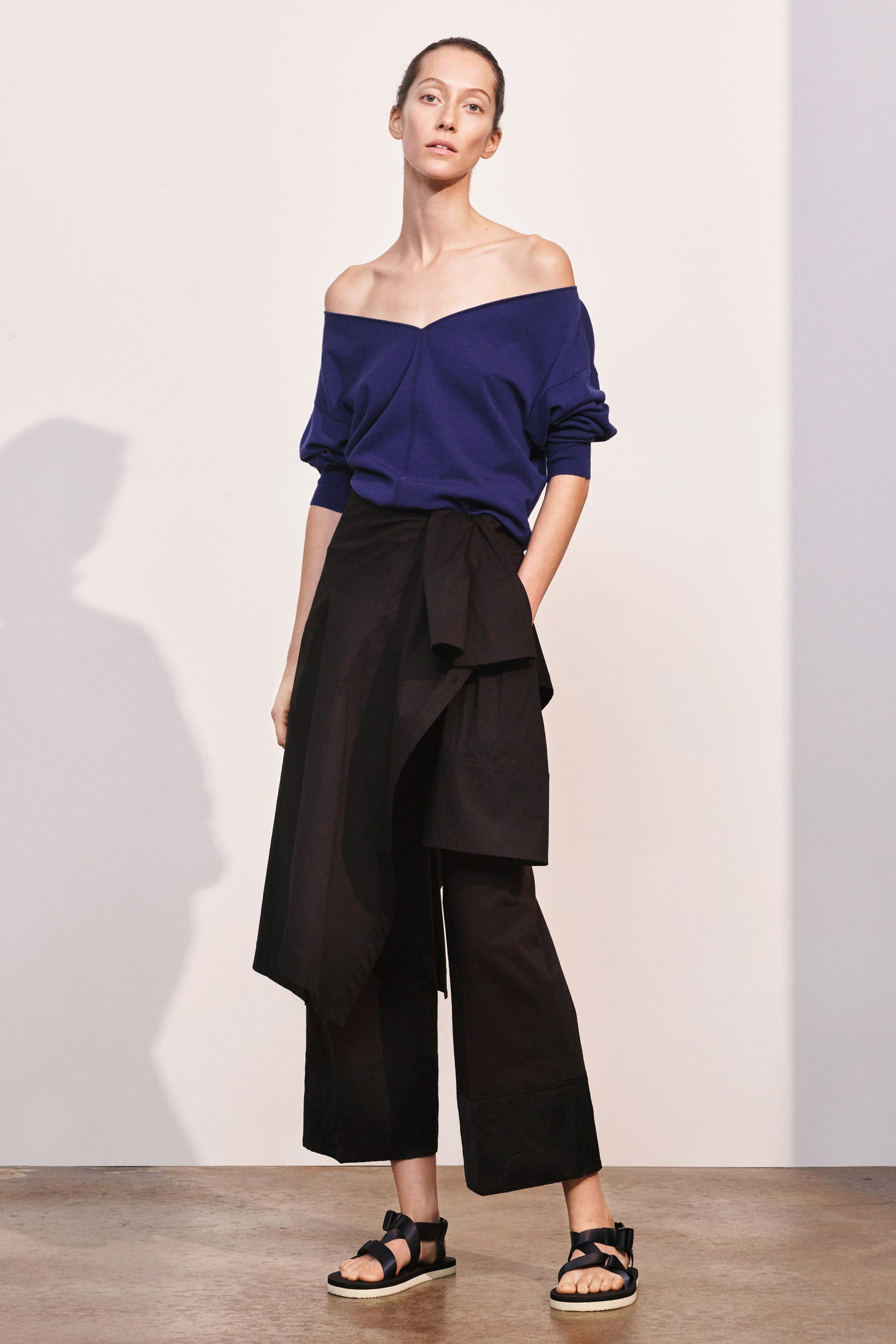 19-elizabeth-and-james-pre-fall-2017.jpg