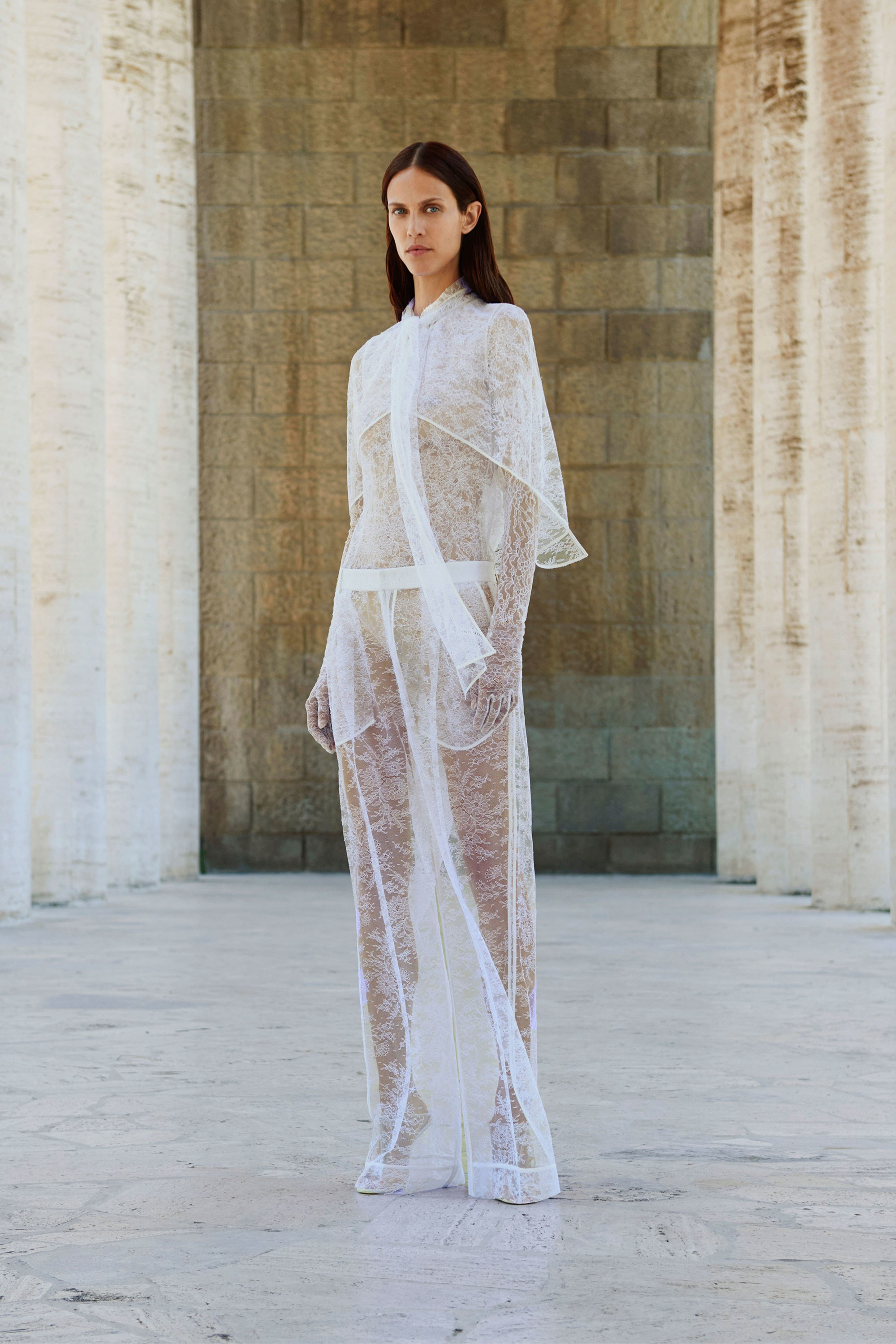 02-givenchy-resort-2018.jpg