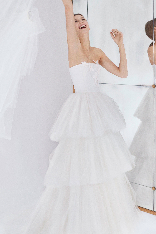 13-Carolina-Herrera-FW18-Bridal.jpg