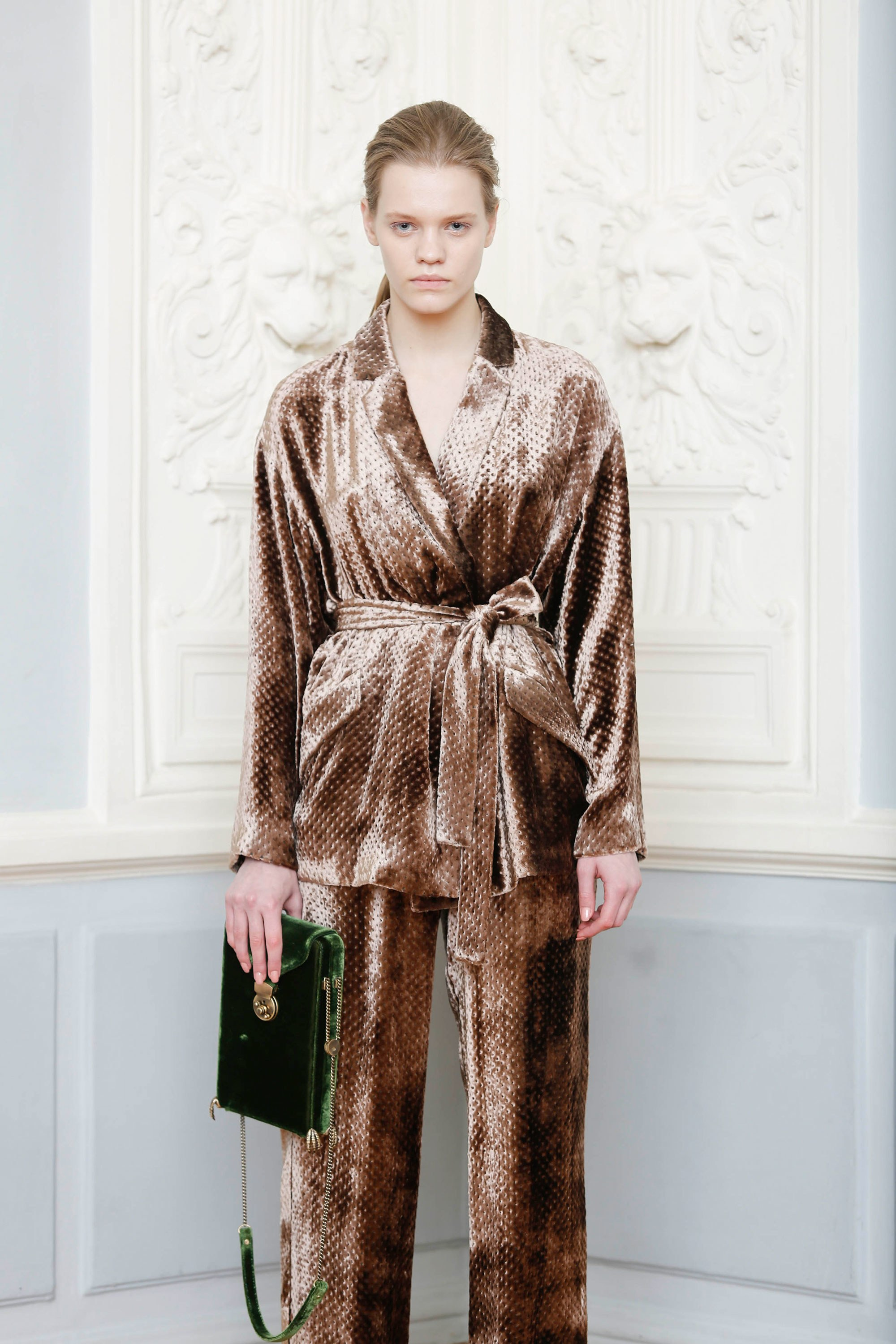 40-alena-akhmadullina-fall-ready-to-wear-2018.jpg