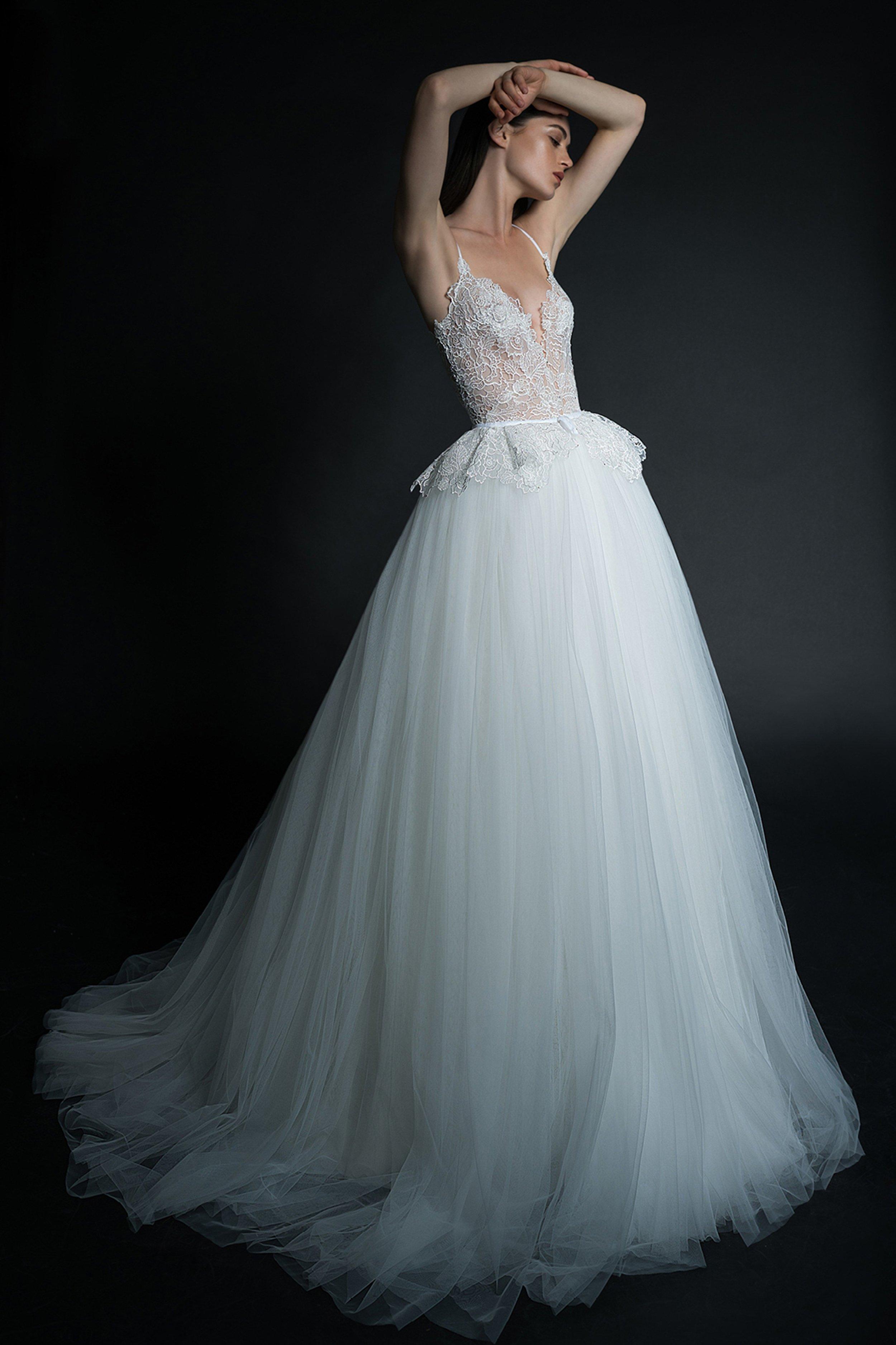 14-inbal-dror-vogue-spring-bridal-2019-pr.jpg