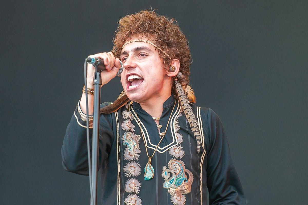 Vocalist Josh Kiszka, photo courtesy of Wikimedia Commons