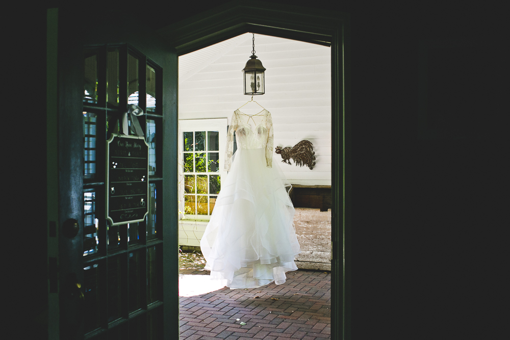 Chicago Wedding Photographer_Lake Forest_Exmoor Country Club_JPP Studios_AM_003.JPG