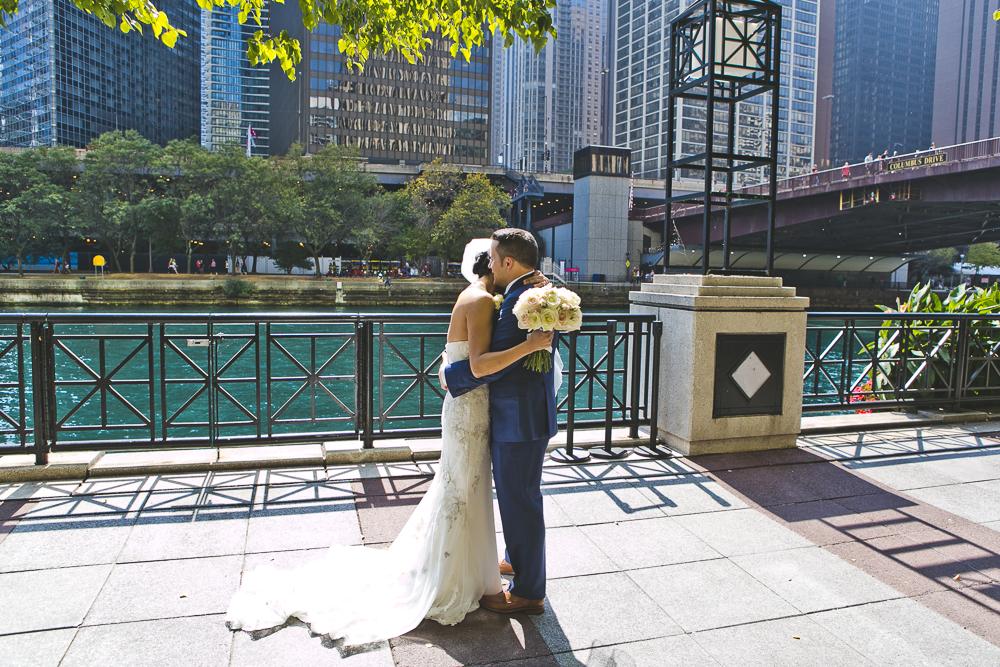 Chicago Wedding Photographer_Tribune Tower Crown_Howls & Hood_JPP Studios_B&J_020.JPG