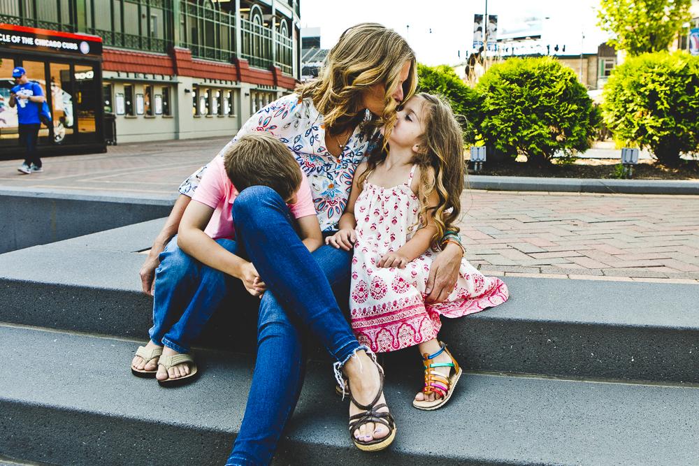Chicago Family Photographers_Wrigley Field_S_03.JPG