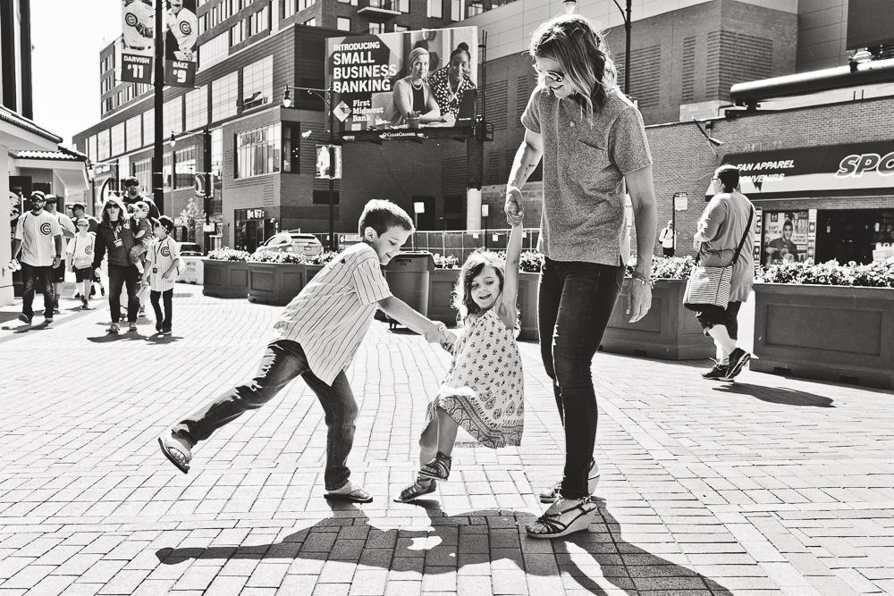 Chicago Family Photographers_Wrigley Field_S_32.JPG