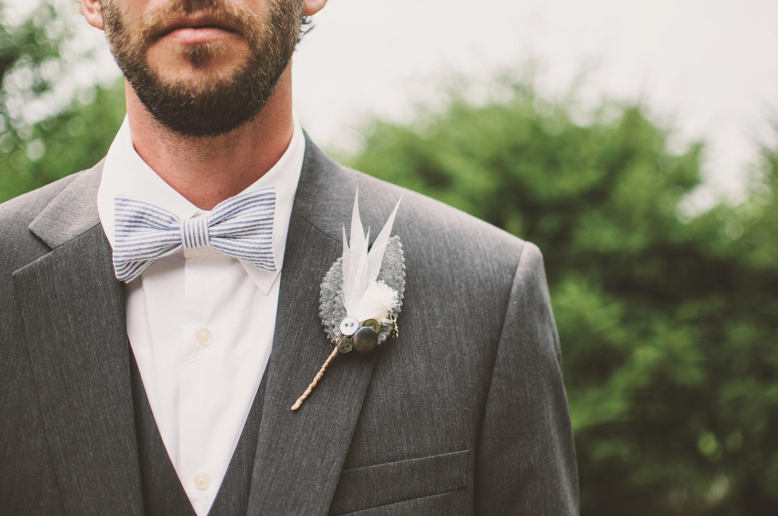blur-bow-tie-brooch-136418.jpg