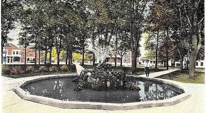 Park Rock Fountain 1915.jpg