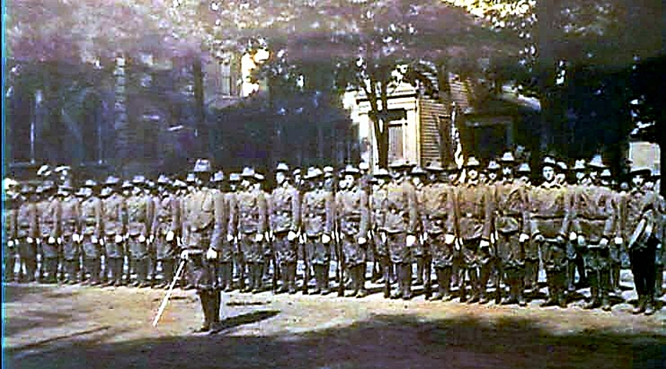 Soldiers on East Side Public Square.jpg