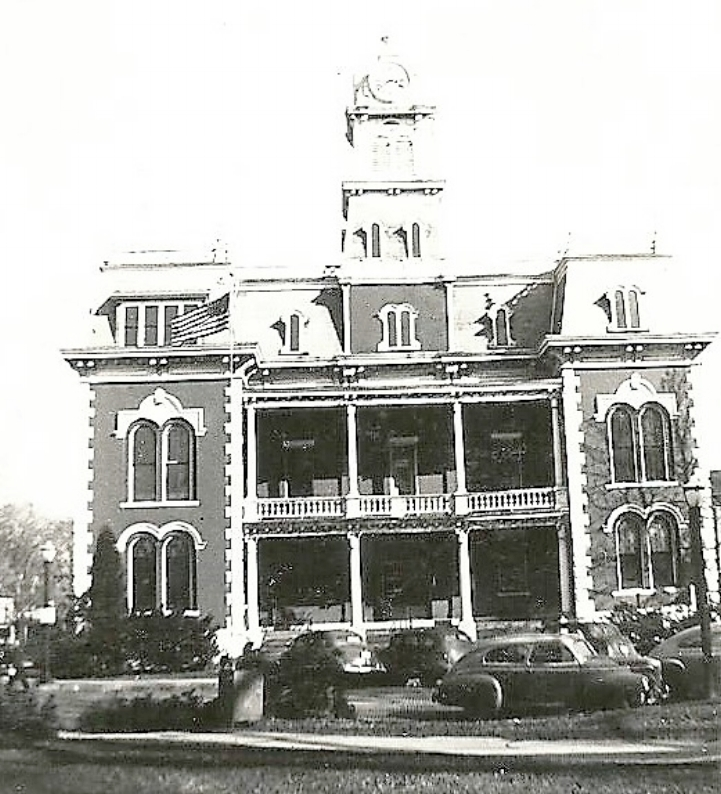 Courthouse 1943.jpg